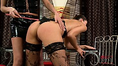 Lesbian slave Anetta V gets spanked by her mistress Silvie Delux