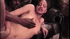 Pleasant young actress knows what to do with ebony dooflickers
